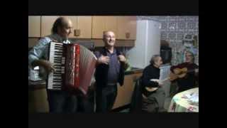 VIDEO. Canti tradizionali siciliani in casa Scarpinato