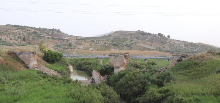Crolla il ponte sulla vecchia strada Cattolica – Ribera